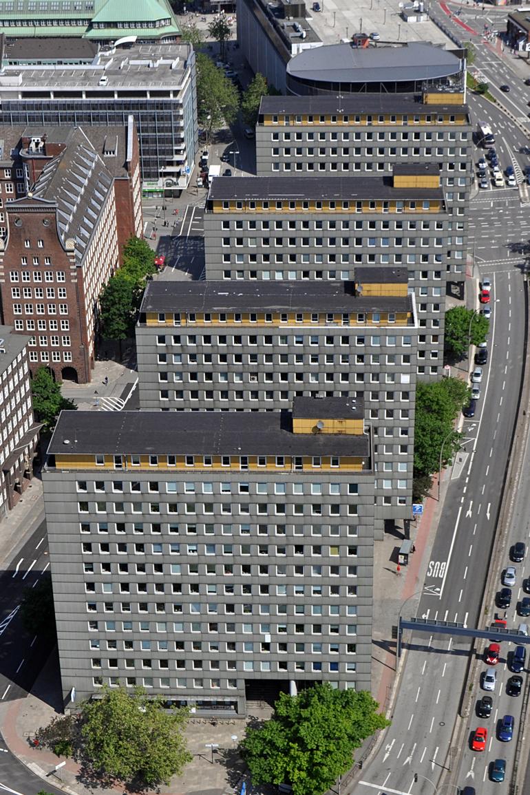 Die vier Türme am Klosterwall aufgenommen aus der Luft.