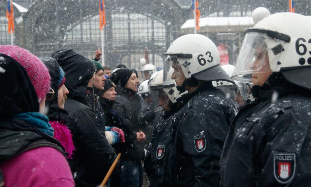 Demonstranten blockieren Protest der