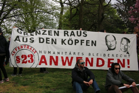1. Mai 2015, Never mind the papers, Foto: Henry Lührs