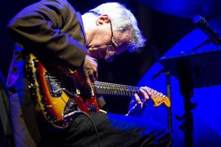 Marc Ribot und Yemen Blues sorgten schließlich für den Abschluss des Jazz-Festes im Hafen.
