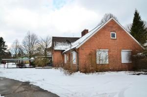 Foto: Jonas Walzberg Die alte Schule am Osteinbeker Weg