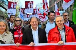 Foto: Jonas Walzberg 1.Mai DGB Demo Olaf Scholz