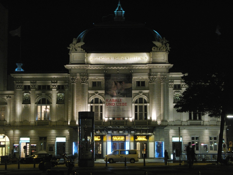 von Poom! (Schauspielhaus) [CC-BY-SA-2.0 (http://creativecommons.org/licenses/by-sa/2.0)], via Wikimedia Commons