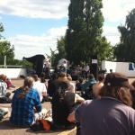 Die Band EAR präsentierte ihre Songs auf dem Parkdeck des Parkhauses am Veddeler S-Bahnhof