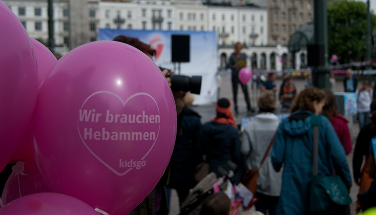 Hebammen-Protest |Foto: Tobias Johhanning